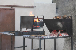 authentic Italian wood-fired grills